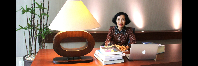 Dr. Srihadi Winarningsih, SE, AK, M Si, CA